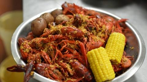 ButterGarlicCrawfish_CajunKitchen_Houston