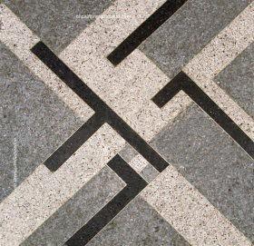 Mozaicuri de Sandu Darie pe artera importantă La Rampa din centrul Havanei
