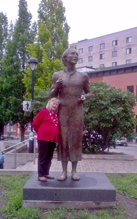 Statuia poetului Mihai Eminescu din Montreal, Canada