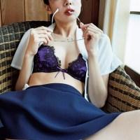 岡田紗佳の紫パンチラがエロい画像