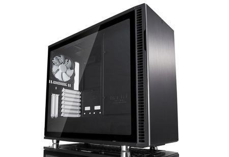 Fractal Design、ミドルタワーPCケース「Define R6」シリーズの国内発売日と予価が確定