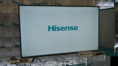 43型で8万円、中国ハイセンスが低価格4Kテレビを日本発売