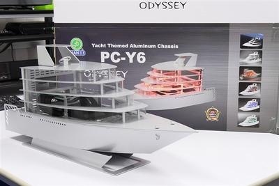 全世界500台限定の、ヨット型Mini-ITX対応PCケースLian Li「PC-Y6」