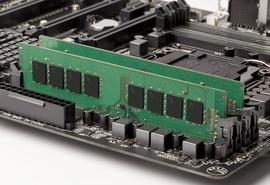 DDR4メモリが続落、8GB×4枚組みは3週間で約9千円値下がり