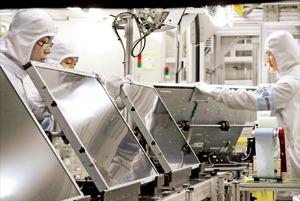 中国の追撃受ける韓国LCD産業 サムスン・LG、生産ライン19本中6本閉鎖 中国「次の目標はメモリー半導体」