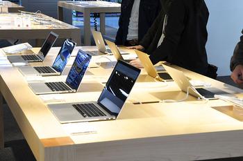 大阪でMacの販売が好調、「聞いて触って比較して」のお膳立てが顧客をつかむ