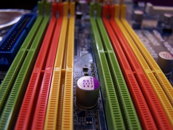 DDR2のメモリ買ってパソコンがDDR3だった場合の怒りはどこにぶつけりゃ良いんだ?