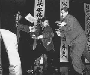 日本の総理大臣って暗殺されない点だけは凄いよな