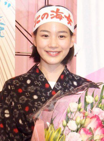 ヒロイン・天野アキを演じた能年玲奈、NHK朝の連続テレビ小説『あまちゃん』笑顔で撮了 早くも続編熱望