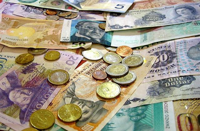 日本国際暴落に備え外貨預金