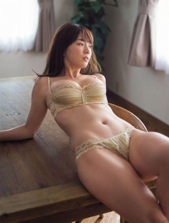 園都(24)娼婦系グラビアアイドルの下着姿のグラビアがぐうシコ♪♪【エロ画像】