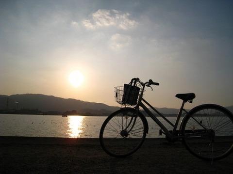 自転車漕ぎながら「メリッサ」歌ってたら人に笑われたんだけど