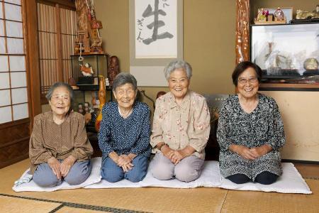 ぎんさんの長女(98)と三女(94)が大ゲンカ