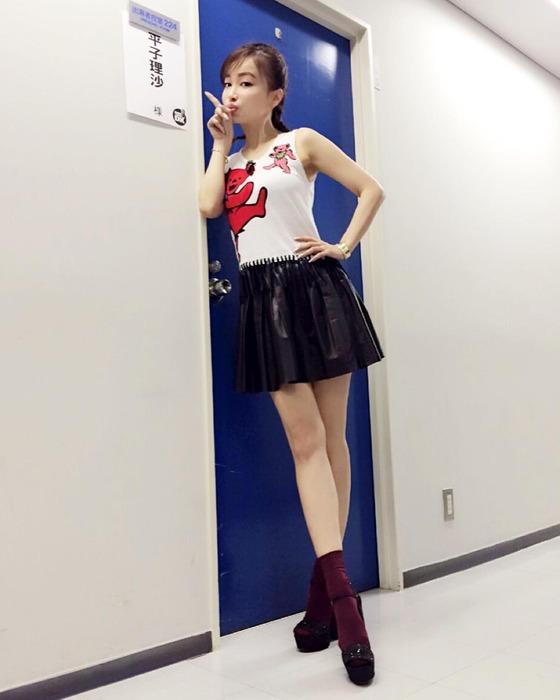平子理沙、アイドルに負けない超ミニ姿披露 「スタイル抜群~」の声