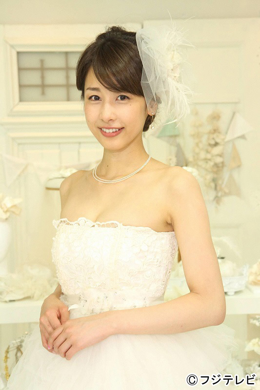 加藤綾子アナ、セクシー谷間ウエディングドレス姿に「リアルでドキドキ」さんまも感嘆の声【画像あり】