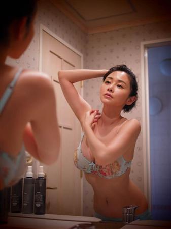 杉原杏璃が濡れ場再現グラビア付き自伝的処女小説を発売!