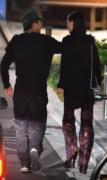 水原希子と野村周平が交際!?肩に手を回しいちゃいちゃデート報じられる【画像あり】