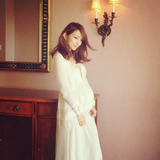 後藤真希がセクシーで美しい妊婦姿を初披露wwwww【画像あり】