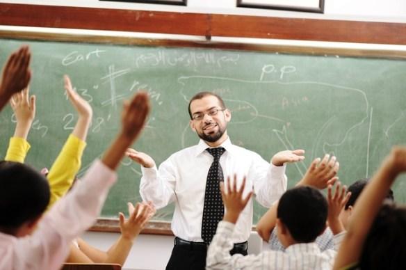 教師は3年以上民間で働いてからしか受験できないようにしろ