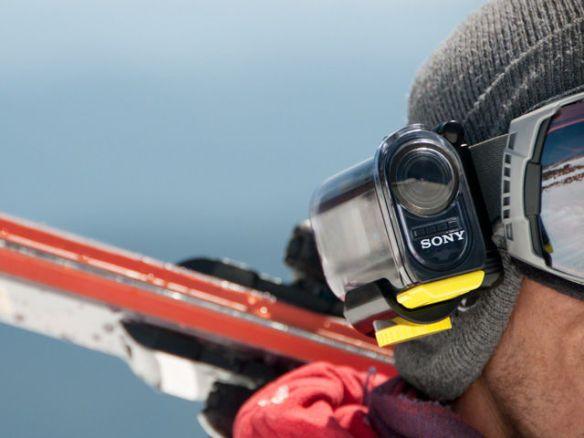 超小型のビデオカメラ! カメラ目線の迫力ある動画が撮れるアクションカム【デジ通】
