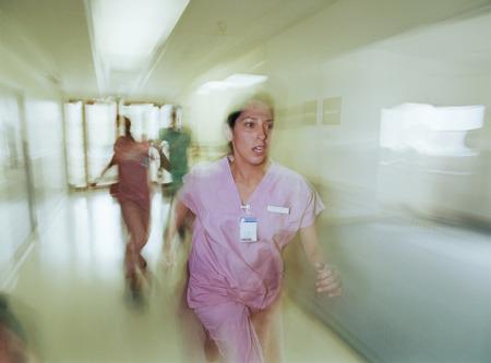 看護師の待遇って破格にいいけど大したことしてんの?