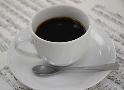 """コーヒーで「胃が荒れる」はウソ 食後の消化を助けたり胃を""""守る因子"""" 適切な摂取量で楽しんでね"""