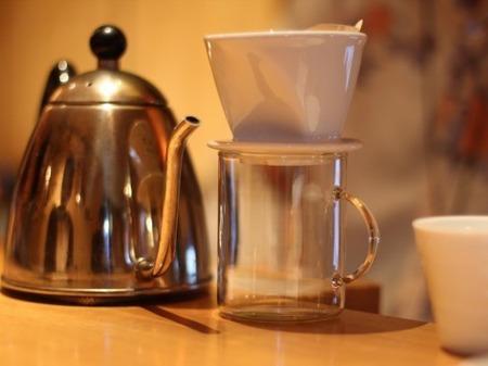 コーヒー依存症のやつちょっと来い