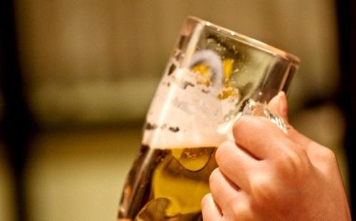 【衝撃】生ビールと瓶ビールに差はない事が判明!!