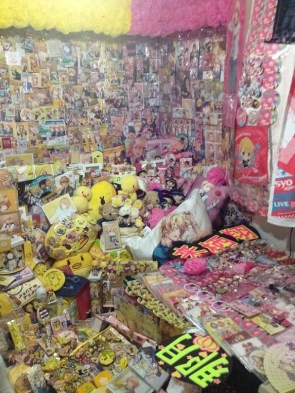 【画像】腐女子の部屋wwwwwwwwwwww