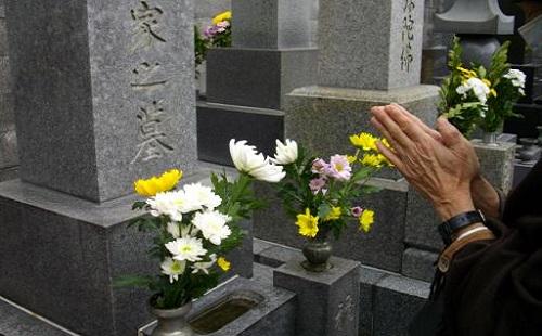 一人で墓参りに行ったときの俺大人になったな感は異常wwwwww