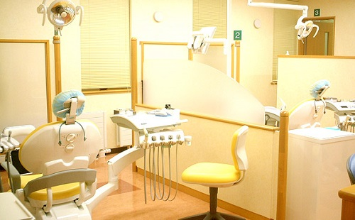 歯医者「神経抜くけど痛まないから安心してね」ぼく「ひゃい」