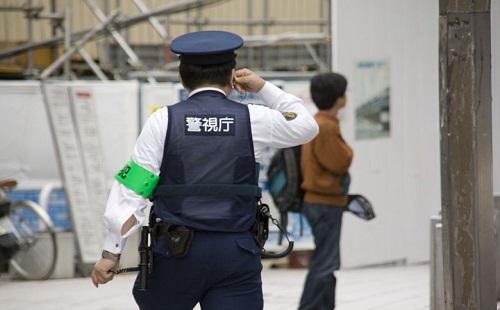 警察官を見た瞬間ダッシュして逃げるの楽しすぎワロタwwwwwwwww