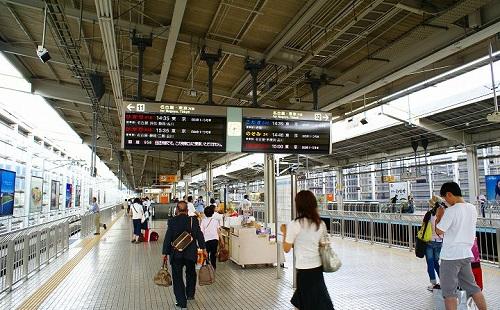 【悲報】新幹線のホームでやらかしすぎて警察のお世話になった・・・