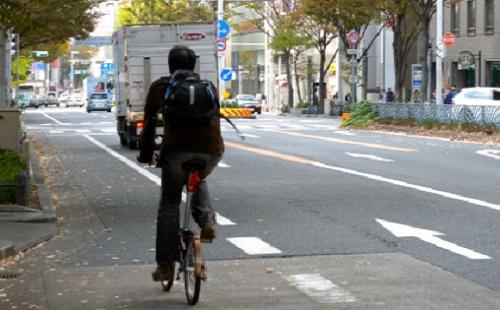 自転車でちゃんと車道を走ってたら警察に注意されたwwwwww