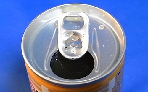 コンビニの缶の飲み物洗わずに飲んでる奴wwwwwwwwwww