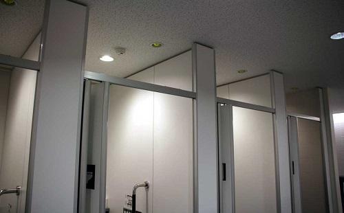 女装男「トイレは女性用に入ります^^」 ←は?犯罪だろ