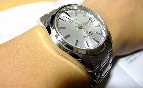 若者「腕時計買いました」 老害「はあ?そんな安物で恥ずかしくないのか?」