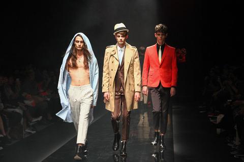【画像あり】ルパン一味をイメージしたファッションが斬新すぎる件