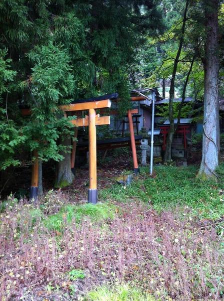 【画像】栃木県日光市の寂れた神社に行って来たったw