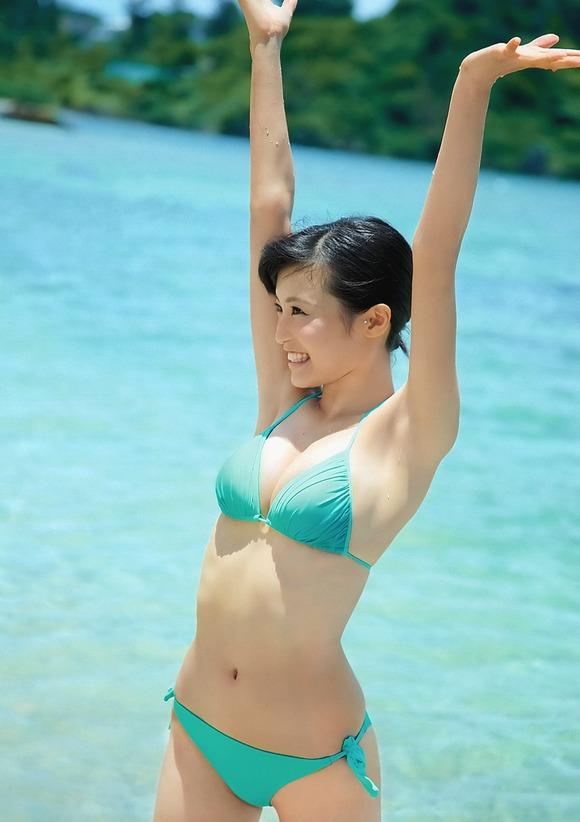 小島瑠璃子が細くて可愛いのに胸がおっきいのはなぜ?