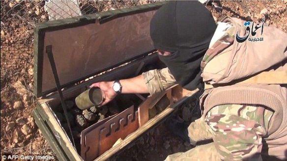 「アメリカよ、ありがとう」米軍がクルド人のために投下した武器弾薬、ISISの手に渡る