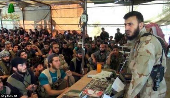 反政府軍リーダーがハローキティのノートを使っていることが確認される