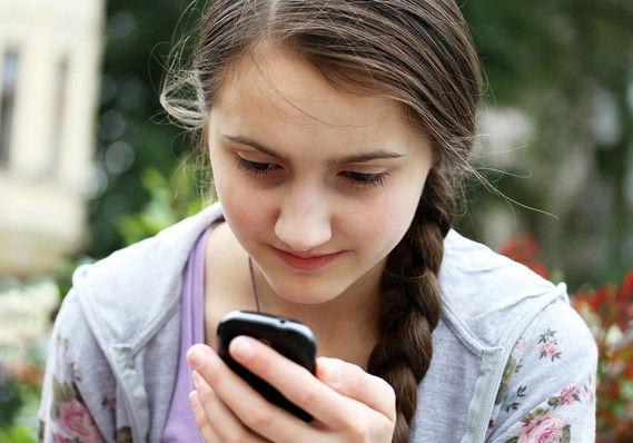 若者はFacebookよりTwitterが好き 利用者の高齢化と関係か 2014/05/01
