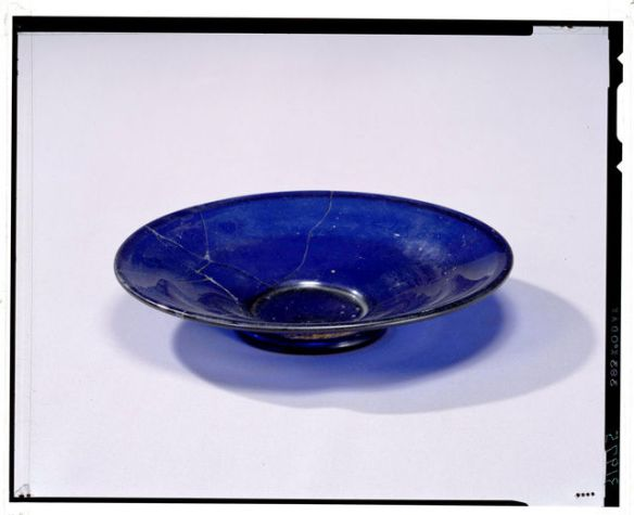 奈良で出土の皿、ローマ帝国から? 化学組成ほぼ一致 [朝日新聞]