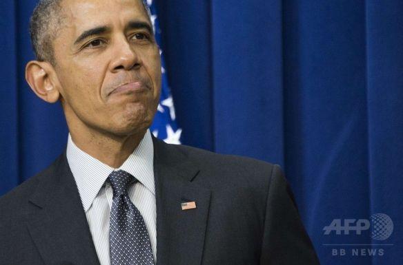 サルの一家の中にオバマ大統領の顔が描かれた「まな板」、ロシアのスーパーが販売、米大使館の抗議で撤去