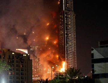 【ドバイ】63階建て高層ビルで火災、1人死亡14人けが
