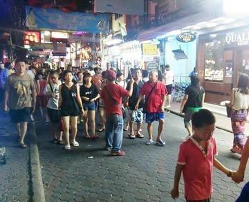 【タイ】中国人が宝石盗んで飲み込む → 逮捕後に日本人になりすます → 盗んだ宝石が偽物と判明して販売店摘発