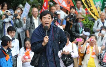 マスコミ「石田純一がSEALDsデモで安保反対演説したらCM降板させられた。言論弾圧だ!」