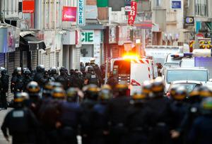 【フランス】パリ近郊での銃撃戦、3人死亡、3人逮捕…女が自爆