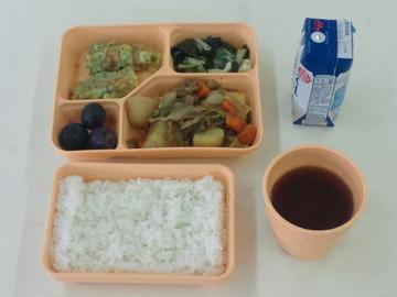 【大阪】市立中の給食、3割弱が食べ残し…全国平均の4倍、残飯になった食材費は年5億円